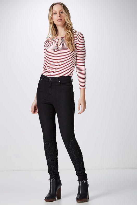 04690402_0001_1-CALCA-SKINNY-BORDADA-BLACK