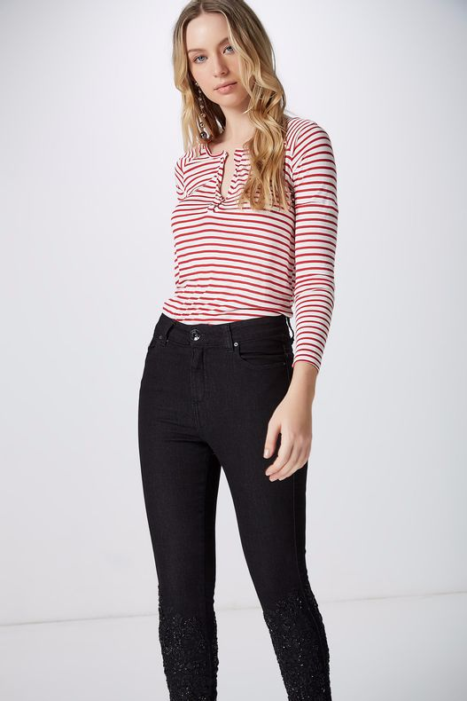 04690402_0001_2-CALCA-SKINNY-BORDADA-BLACK