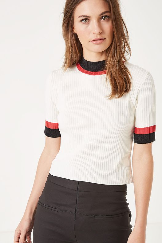 78010222_0003_1-TR-TRICOLOR-CROPPED