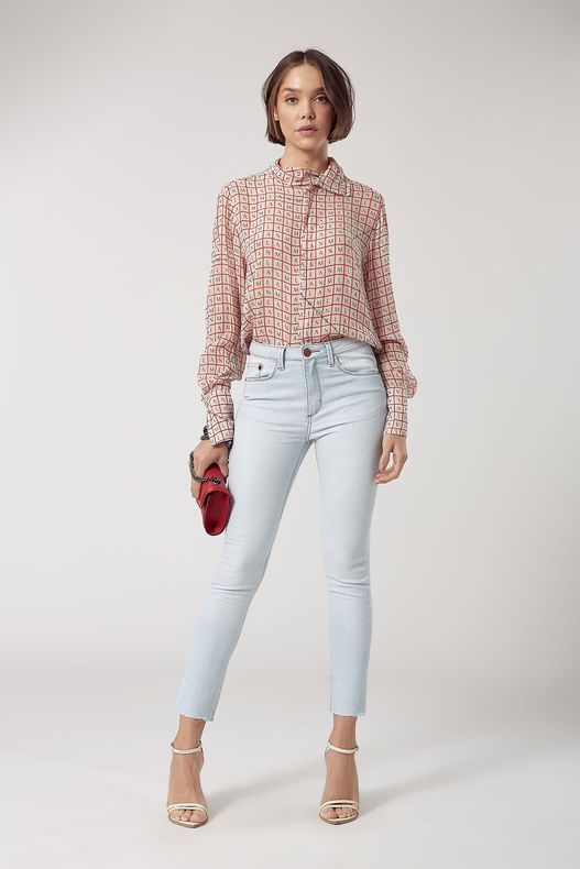 04691275_0101_1-SKINNY-BASIC-MEDIA-SUPER-CLARA