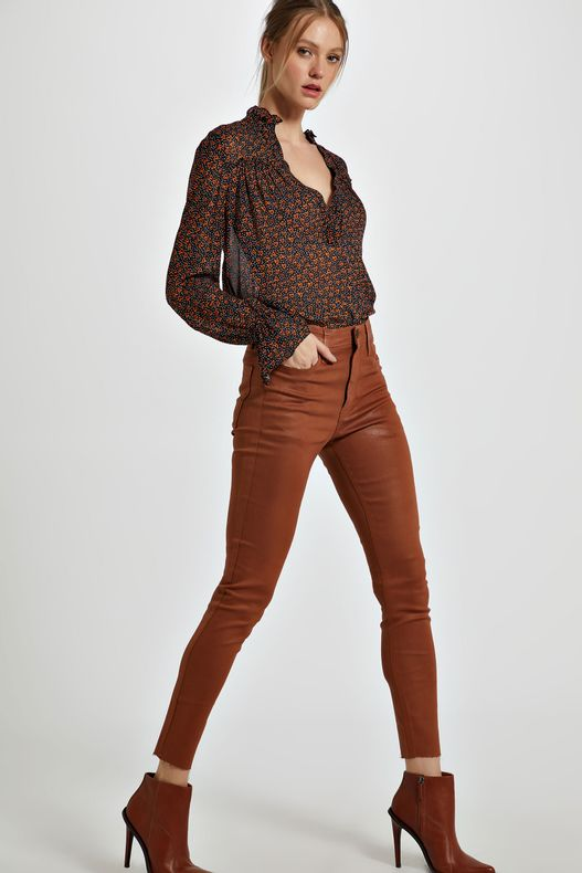 04691518_1379_1-CALCA-DE-SARJA-BASIC-SKINNY-HIGH-RESINADA-COLORS